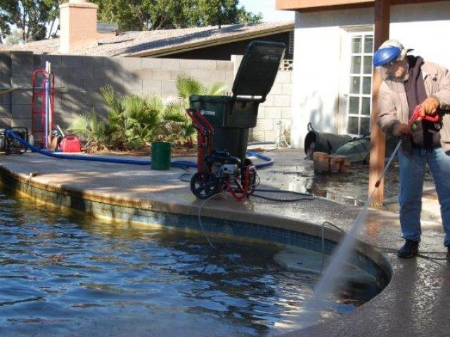 poolduring4